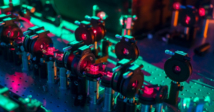 Researchers Build Quantum Device to Examine All Possible Futures