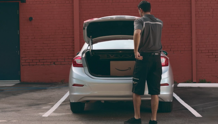 Amazon Plans on Delivering Packages to the Trunk of Users' Cars