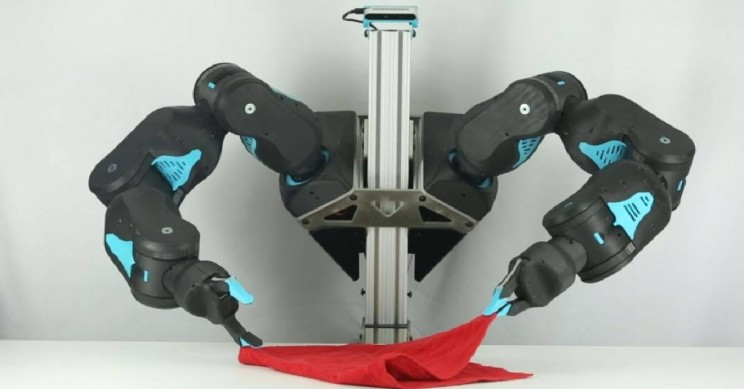 Researchers Engineer Low-Cost, Human-Friendly Robot for AI