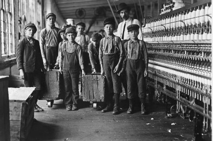 Children factory workers