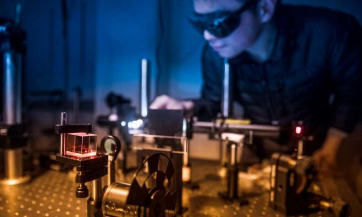 Breakthrough Atomically Thin Magnets Offer Researchers Surprising Power
