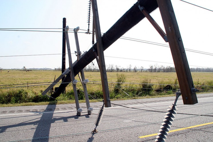 Life-Saving Tips On What to Do If A Power Line Touches Your Car