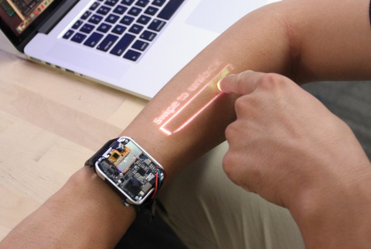 First-of-Its-Kind Smartwatch Turns Your Skin Into a Touchscreen