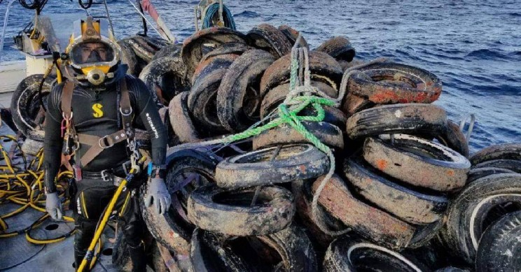 Osborne Reef - A Failed Artificial Reef of Discarded Tires