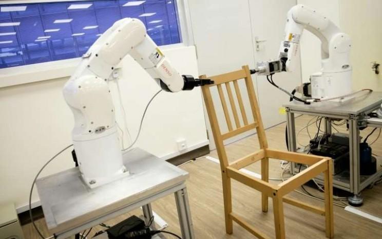 New Autonomous Robot Assembles IKEA Furniture in Under 20 Minutes