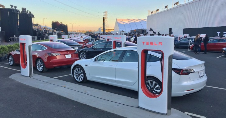 Tesla Shares Fall as Q1 Production and Delivery Numbers Fail to Impress