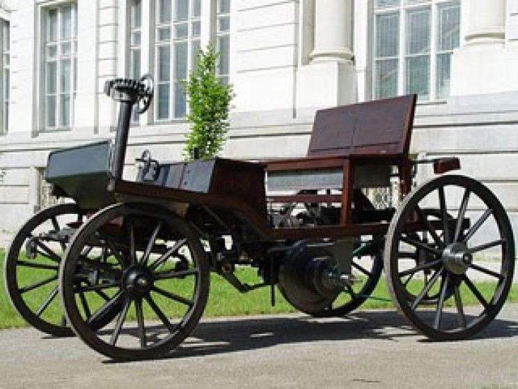 Who Invented The First Car >> A Brief History And Evolution Of Electric Cars