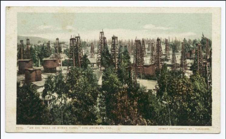 Modern Oil Well Los Angeles