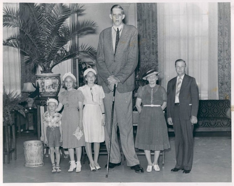 Robert Wadlow and family
