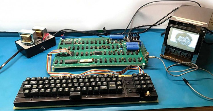 Functioning Apple-1 Computer from the 1970s Will be Auctioned Starting at $300,000