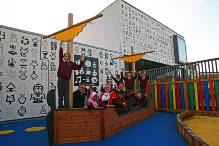 Cowley St. Laurence CoE Primary School, Hillingdon lego school wall