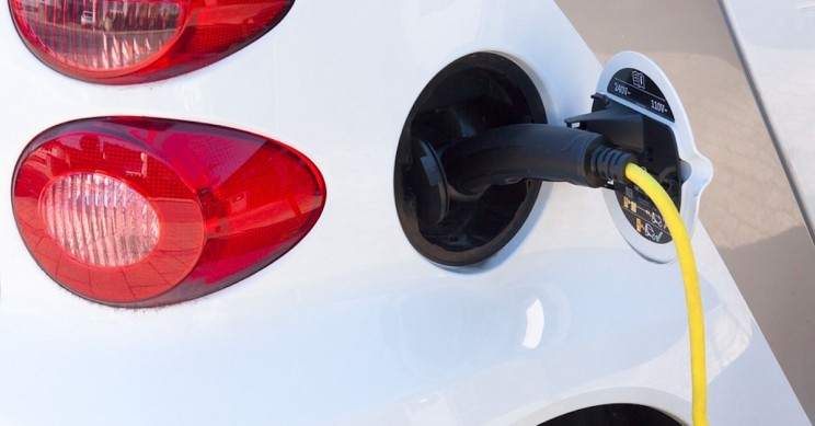 New Liquid Battery System Could Charge Electric Cars in Just Seconds