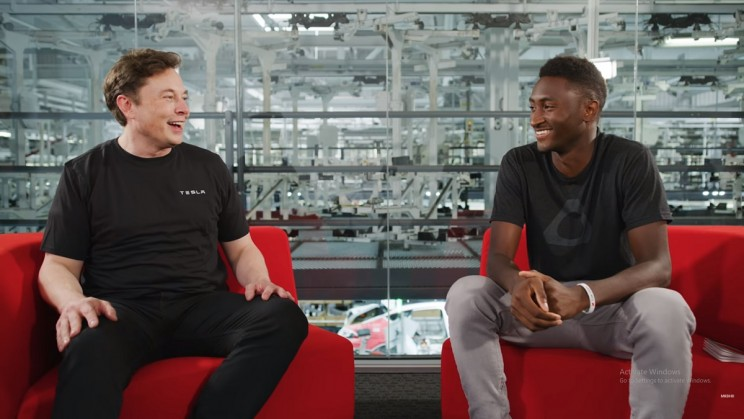 YouTuber Talks Tesla Future Plans And Dreams with CEO Elon Musk