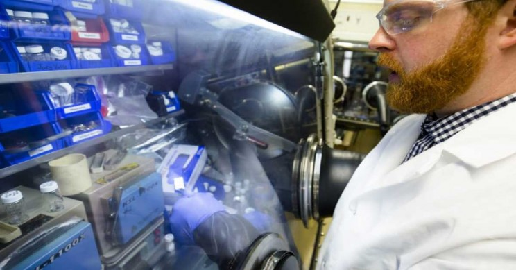 Researchers Develop New Long Lasting Fireproof Lithium Batteries