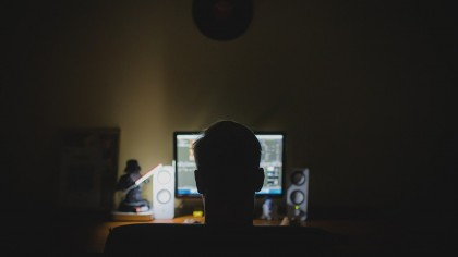 Australian Teen Hacks Apple, Downloads Files to Folder Called 'hacky hack hack'