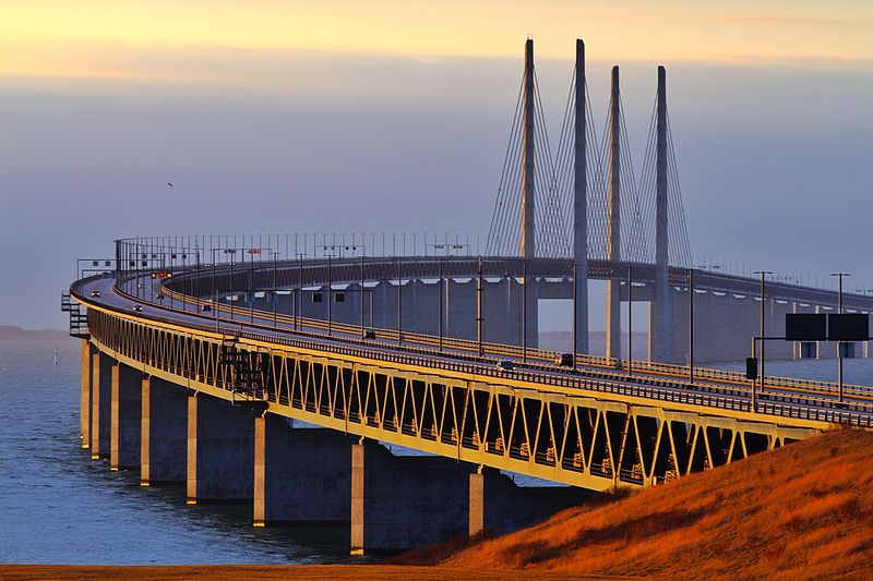 Oresund Bridge Transforms into a Underwater Tunnel