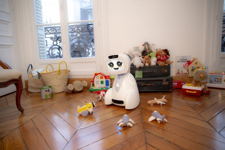 Here Are 5 Cute Robots You Should Ask Santa For This Christmas