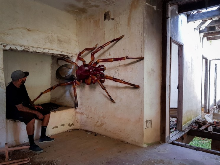 Odeiths paintings of insects have a scary 3D quality.