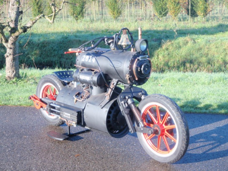 Steam Powered Motorbike Inspired by Jack Sparrow