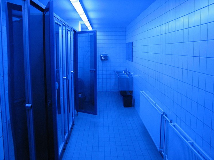 Gas Station Installs Blue Lights in Its Bathroom to Prevent Overdoses