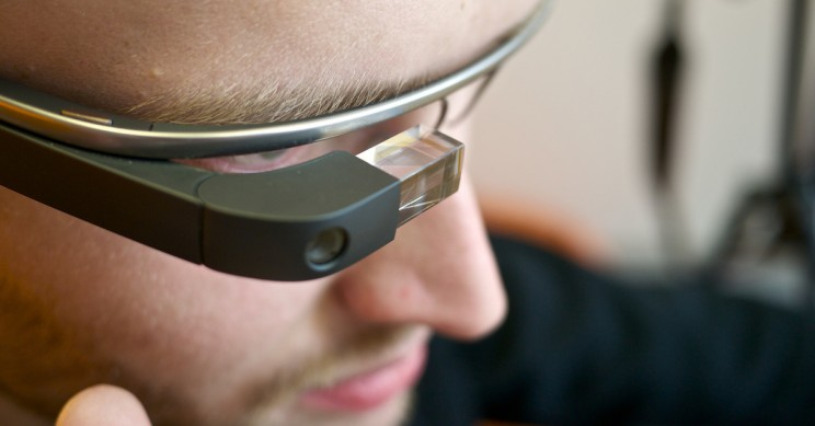 Tesla Applies For Google Glass-Like Patent to Increase Factory Productivity
