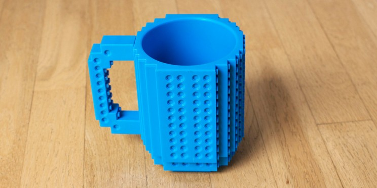 You Can Customize This Build-On Brick Mug with LEGOs