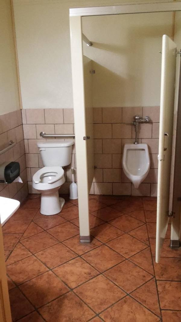 """15 Best """"Not My Job!"""" Images on the Internet"""