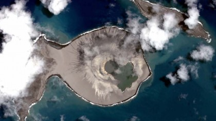 This Shapeshifting Pacific Island Might Be Similar to Martian Volcanoes