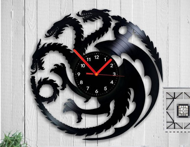 17 Wall Clock Designs That Are Sure to Turn Heads in Your Home