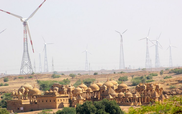 The 11 Biggest Wind Farms and Wind Power Constructions That Reduce Carbon Footprint