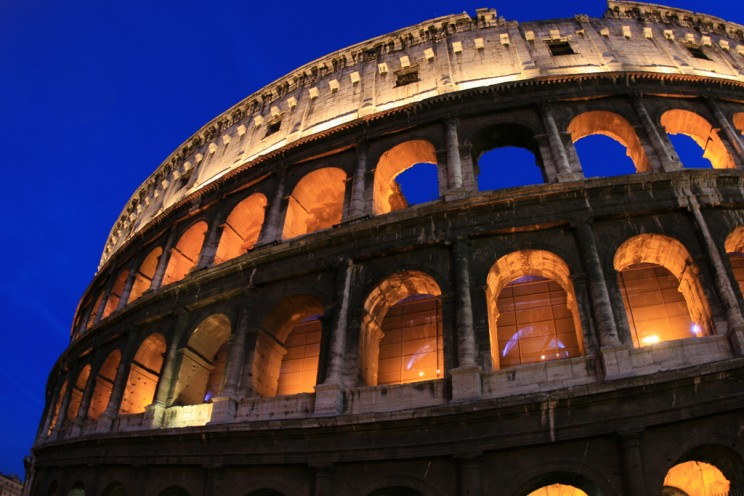 italy tourist attractions colosseum