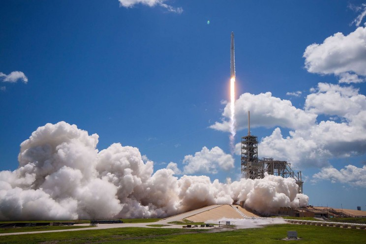 The Best Moments from SpaceX Launches in 17 Spectacular Images