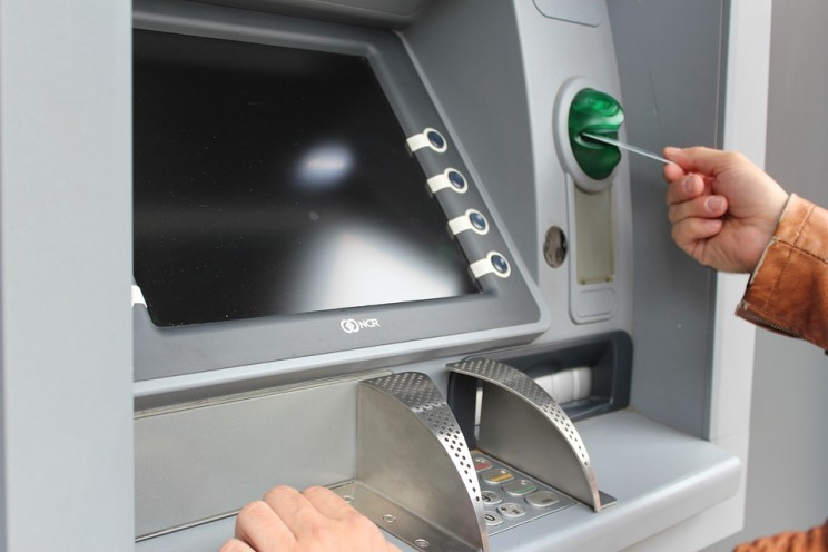 'Jackpotting' Attacks Making ATMs Roll out Cash Now Threaten US Machines