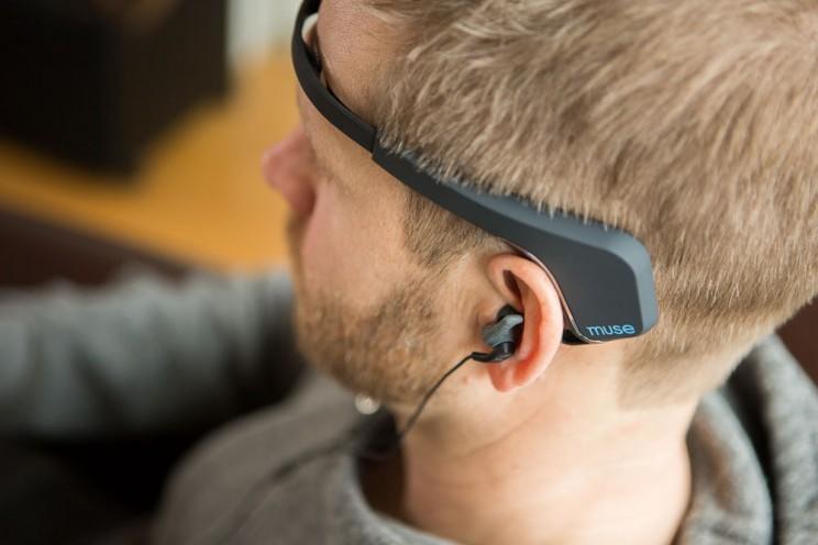 This Brain Sensing Headband Guides You through the Art of Meditation