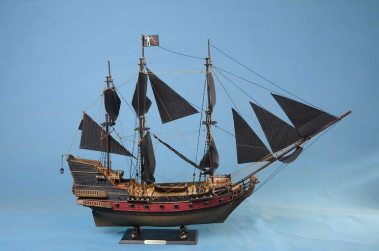 Paper Fragments From Blackbeard's Ship Reveal What Pirates Liked to Read