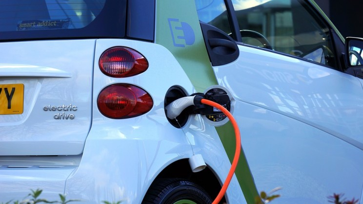 China Plans to Install Over 120,000 Public EV Charging Piles by 2020