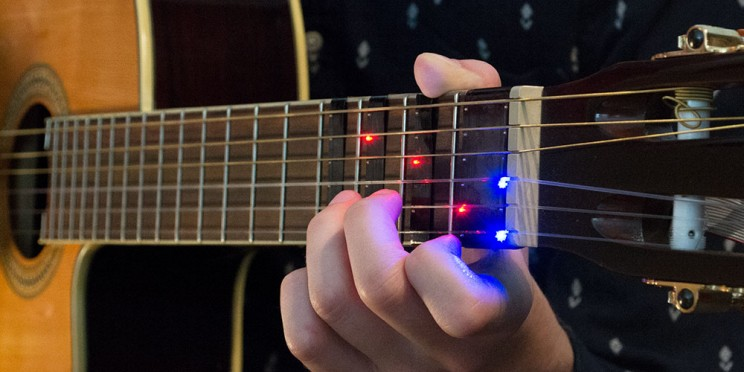 This Clip-On Device Makes Learning the Guitar Fun and Easy