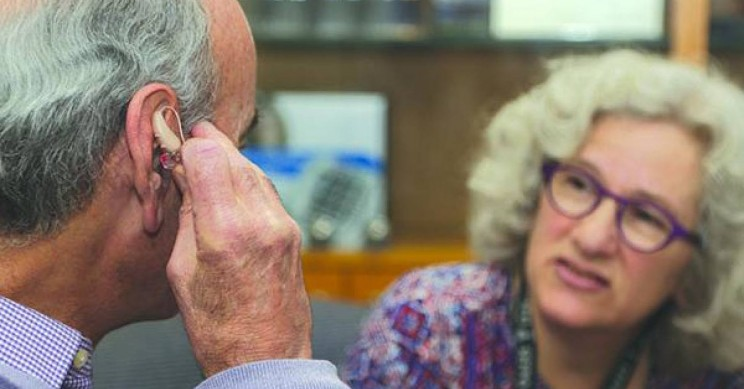 New Study Finds Memory Loss Could Be a Sign of Hearing Loss, Not Alzheimer's
