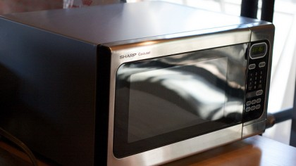 This Simple Test Lets You Know If Your Microwave Has a Radiation Leak