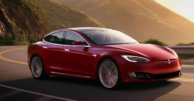 Tesla Reveals 7% Layoffs In Midst of 14,000 Model S Recall in China
