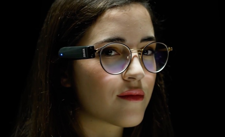 This Device Re-Imagines High-Tech Vision Solutions for the Blind and Partially Sighted