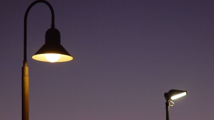 Inventor Develops System That Powers a Street Light With 10 Bags of Dog Poo for 2 Hours