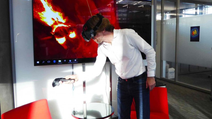 New Virtual Reality Technology Allows Scientists to 'Walk Through' Brains