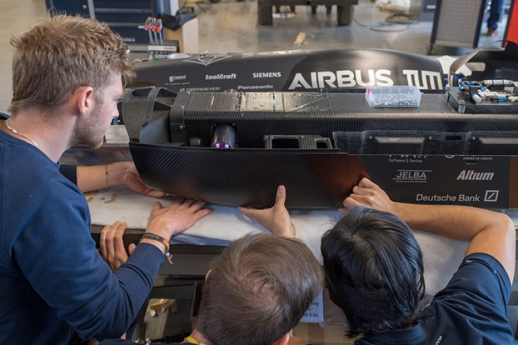 SpaceX Hyperloop Pod Contest Winner Hits Record Speed of 467 km/h