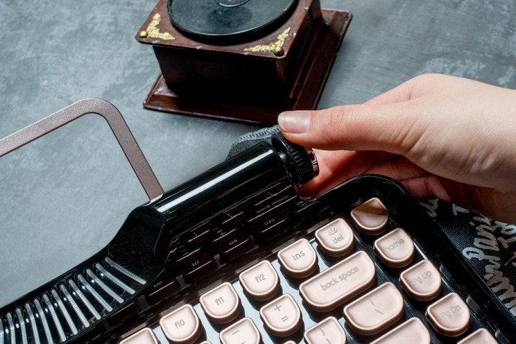 This Retro-Inspired Mechanical Keyboard Will Make you Love Typing again