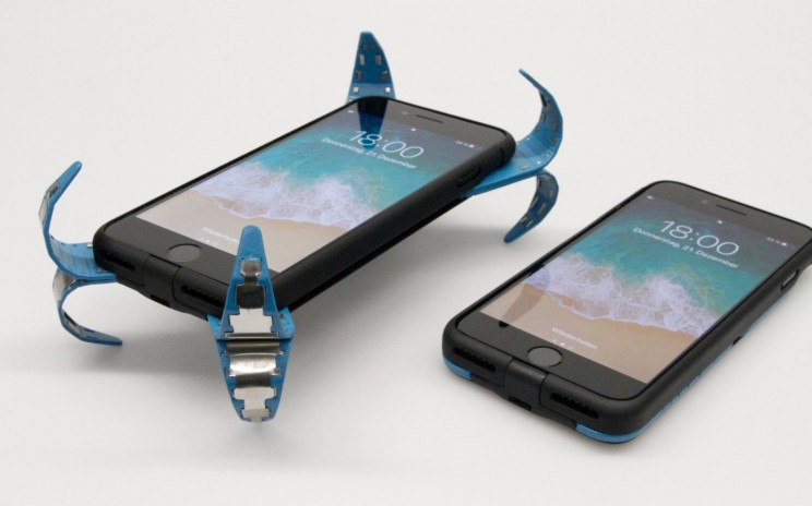Now You Can Protect Your Phone From Falls With This 'Airbag' Case That Pops Open