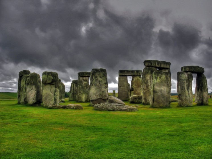 history of clocks stonehenge