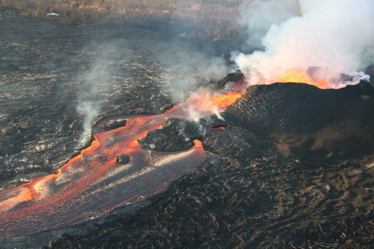 Photo Taken From Space Shows Flowing Lava from Kilauea Volcano