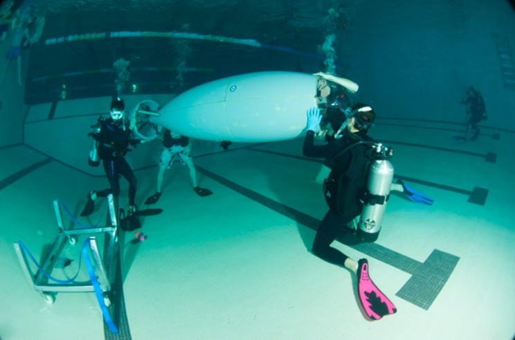 Engineering Students Build Human-Powered Submarine That Moves By Pedaling