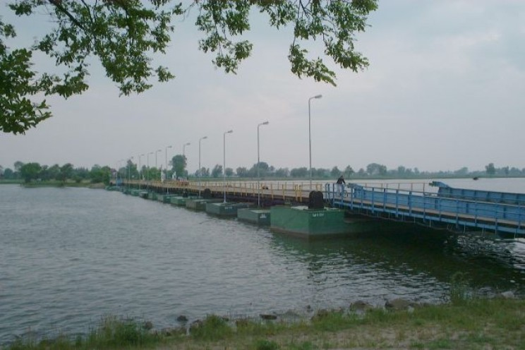 The Pontoon Bridge: The Floating Bridge from Ancient China Used in the Biggest 20th Century Battles